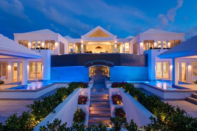 Beachfront Villa Cascade luxury real estate