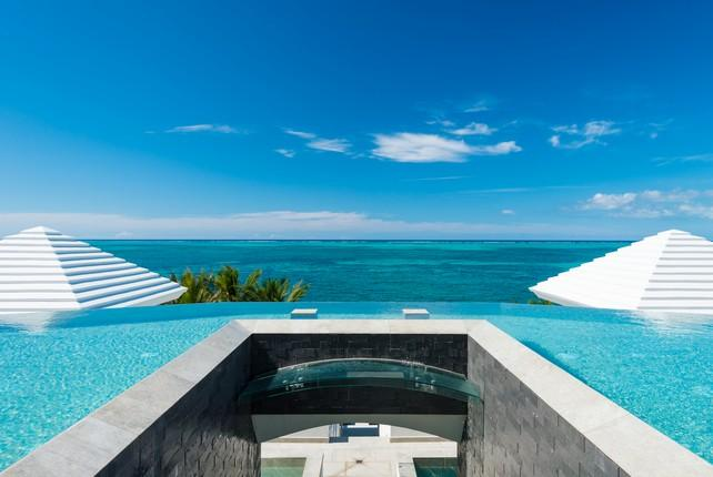 Beachfront Villa Cascade mansions
