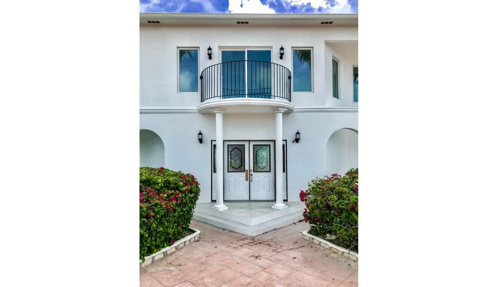 Chalk Sound Villa luxury homes
