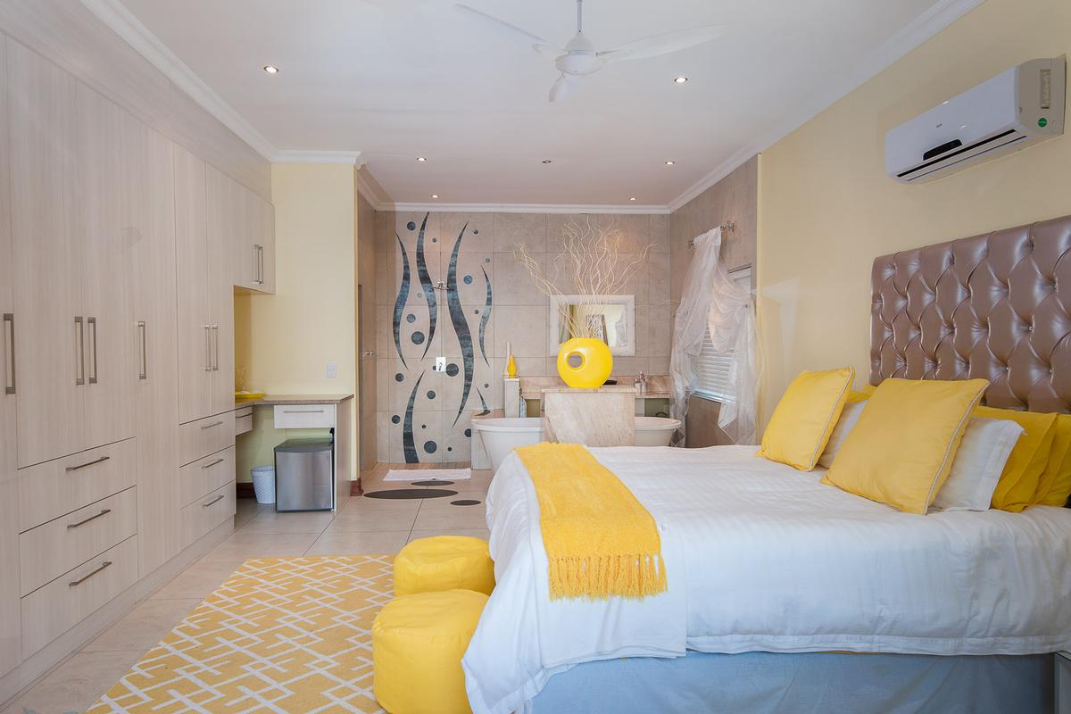 Luxury properties LAVISH BALINESE INSPIRED BEACHFRONT HOME