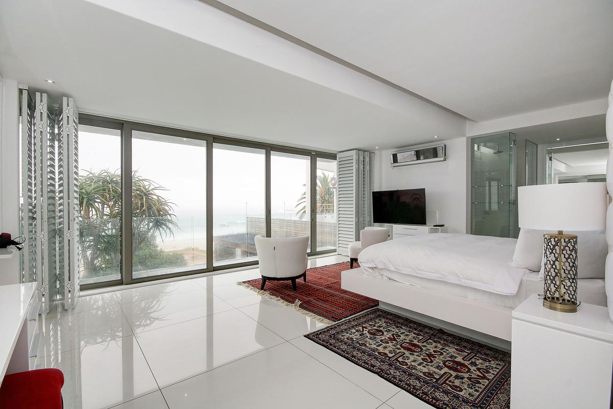 Mansions Camps Bay Villa on the Beach
