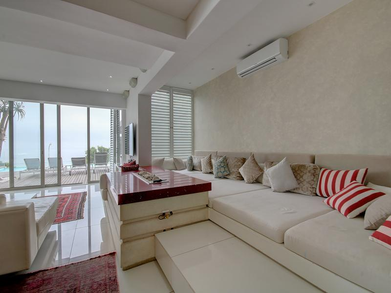 Camps Bay Villa on the Beach luxury homes