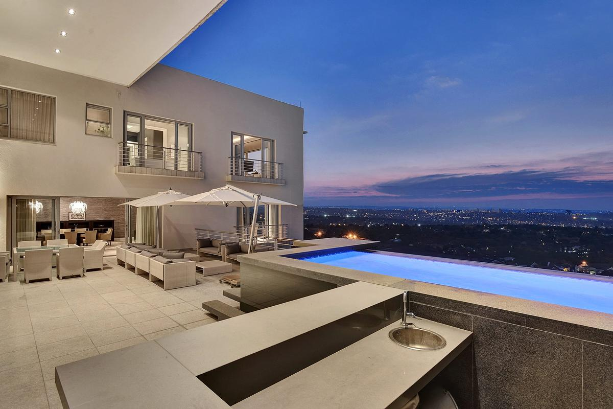 Luxury homes Prestigious Contemporary South African Penthouse