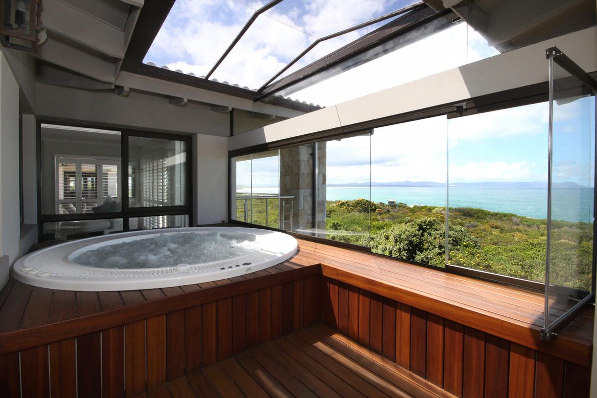 Mansions Ultimate luxury in the Whale Capital of the world