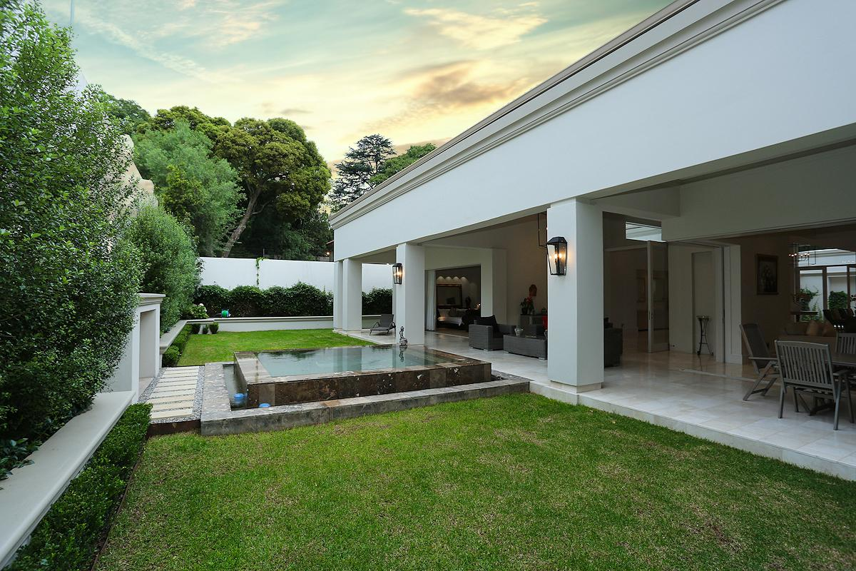 Stupendous Contemporary Design And Abundant Natural Light South Interior Design Ideas Inamawefileorg