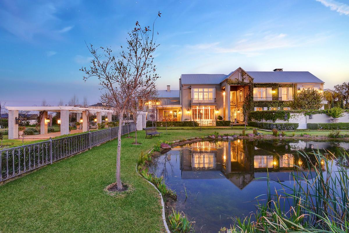Luxury real estate CONTEMPORARY EQUESTRIAN  HOME