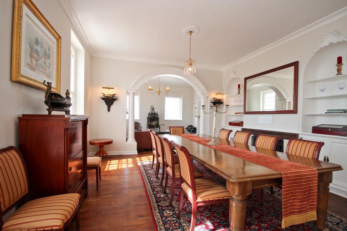 Luxury homes CAPE DUTCH SPLENDOUR