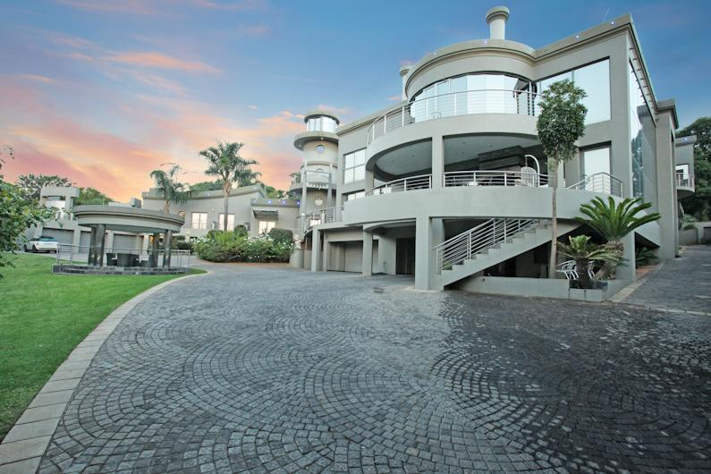 Mansions in Magnificent palatial mansion in bedfordview
