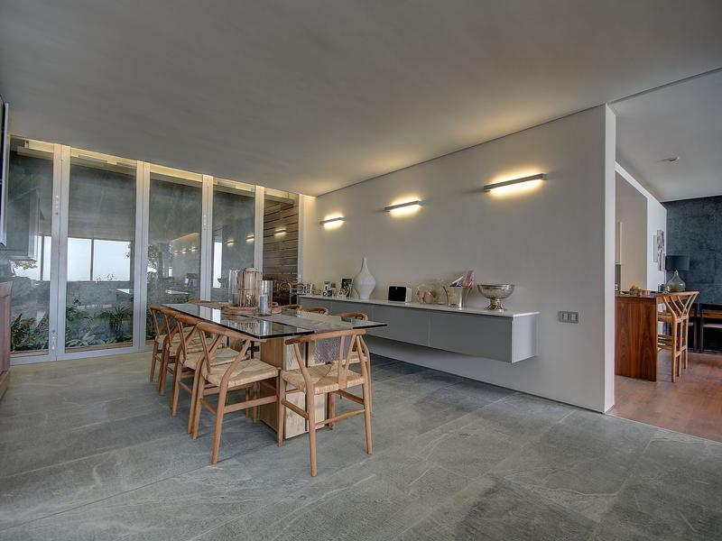 Luxury homes Camps Bay Beach Villas
