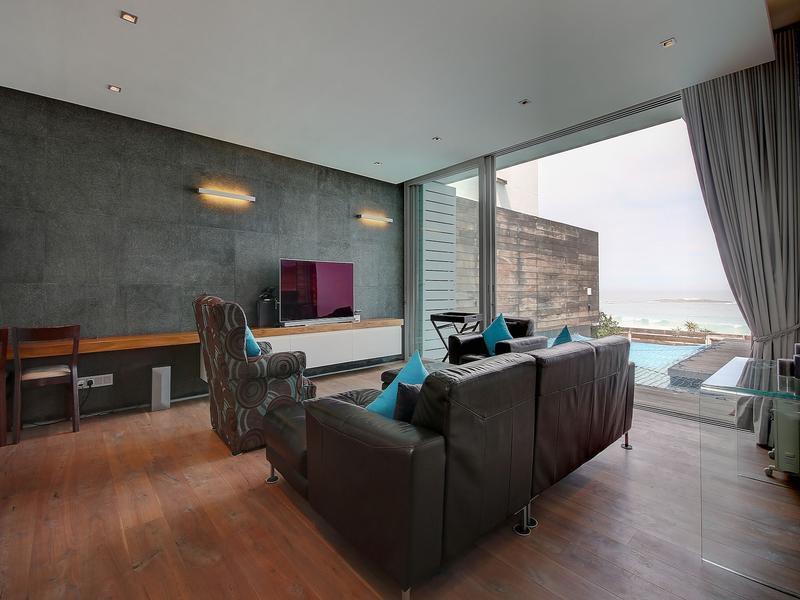 Luxury real estate Camps Bay Beach Villas