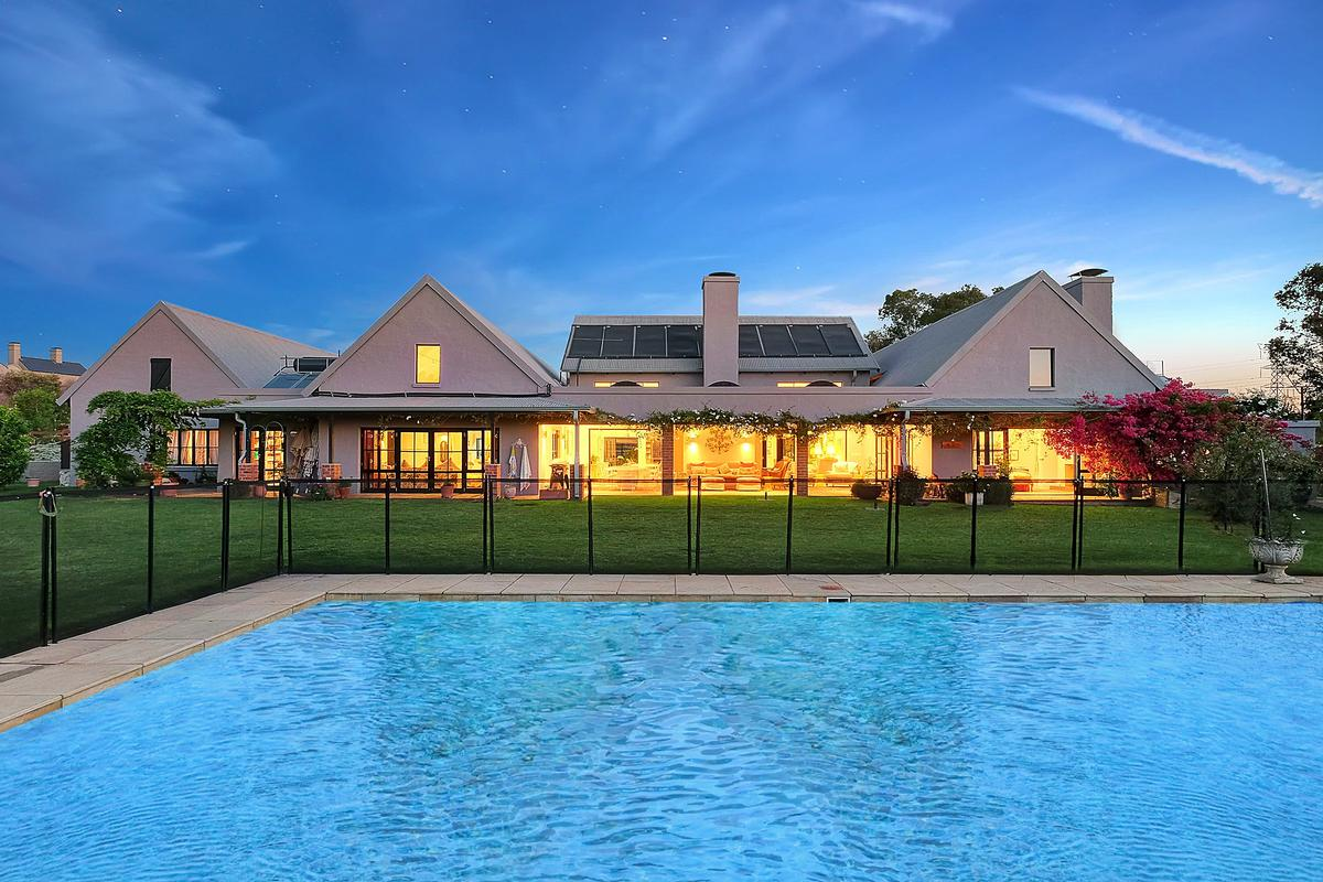 Luxury real estate EQUESTRIAN FAMILY HOME