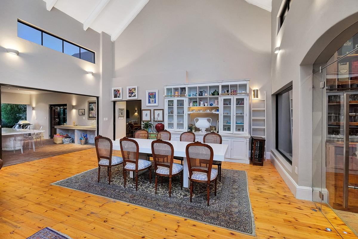 Luxury homes EQUESTRIAN FAMILY HOME