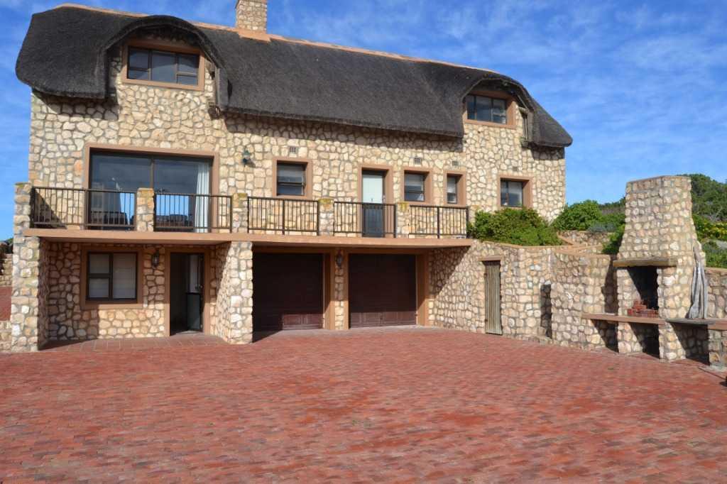 Mansions in Private coastline property