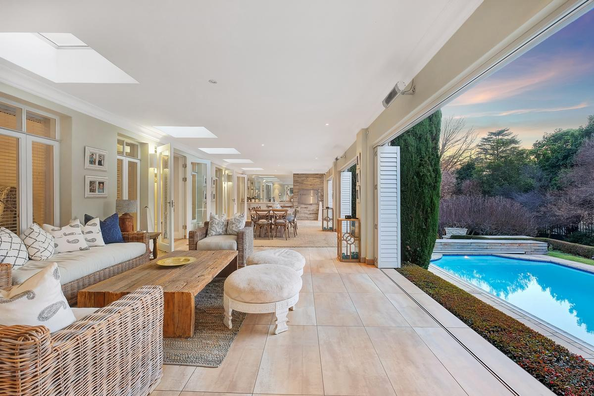 Mansions in Style and elegance in Hyde Park