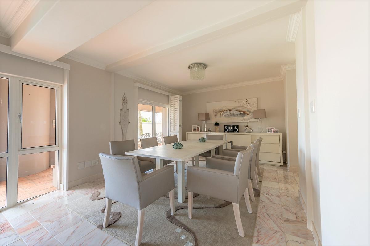 Luxury properties Exquisite Home in exclusive area