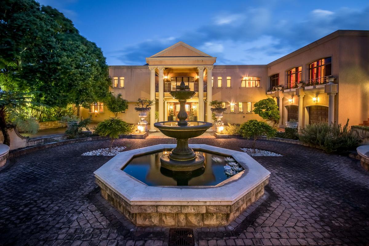 Luxury homes Mediterranean styled Villa