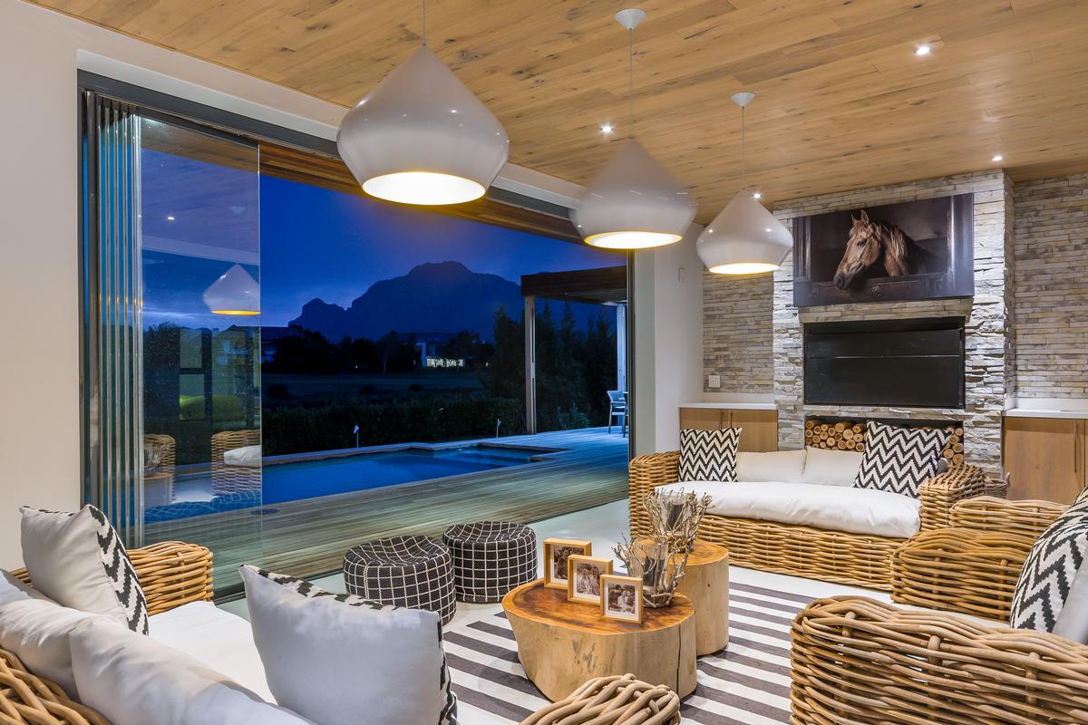 Mansions Modern Masterpiece in South Africa