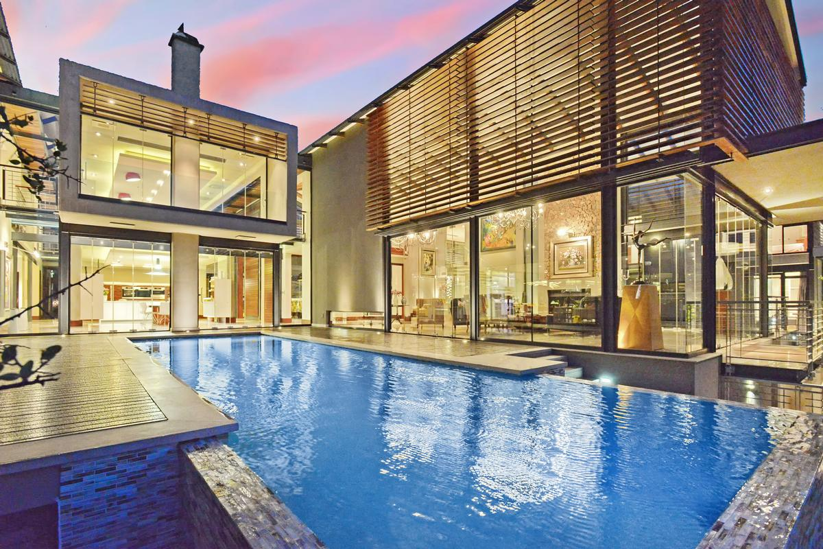 MODERN LIFESTYLE luxury homes