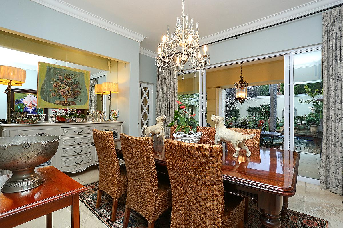 Luxury homes Amazing Cluster in Hyde Park