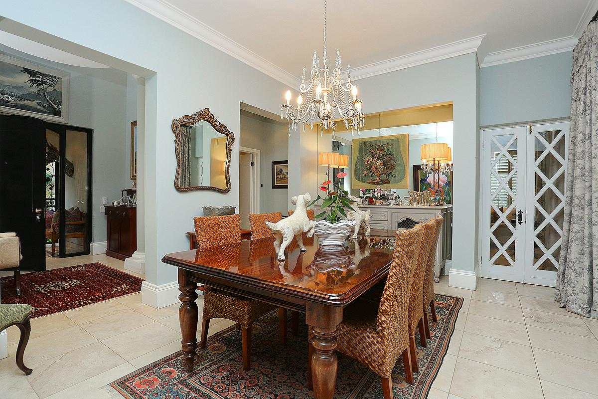 Amazing Cluster in Hyde Park luxury homes