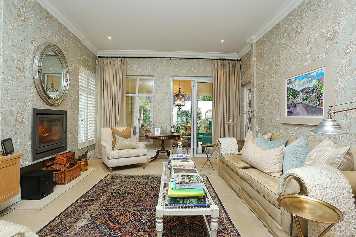 Luxury real estate Amazing Cluster in Hyde Park