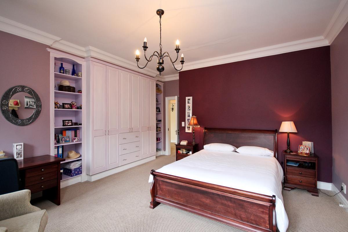 Mansions in Silvertree Splendiour