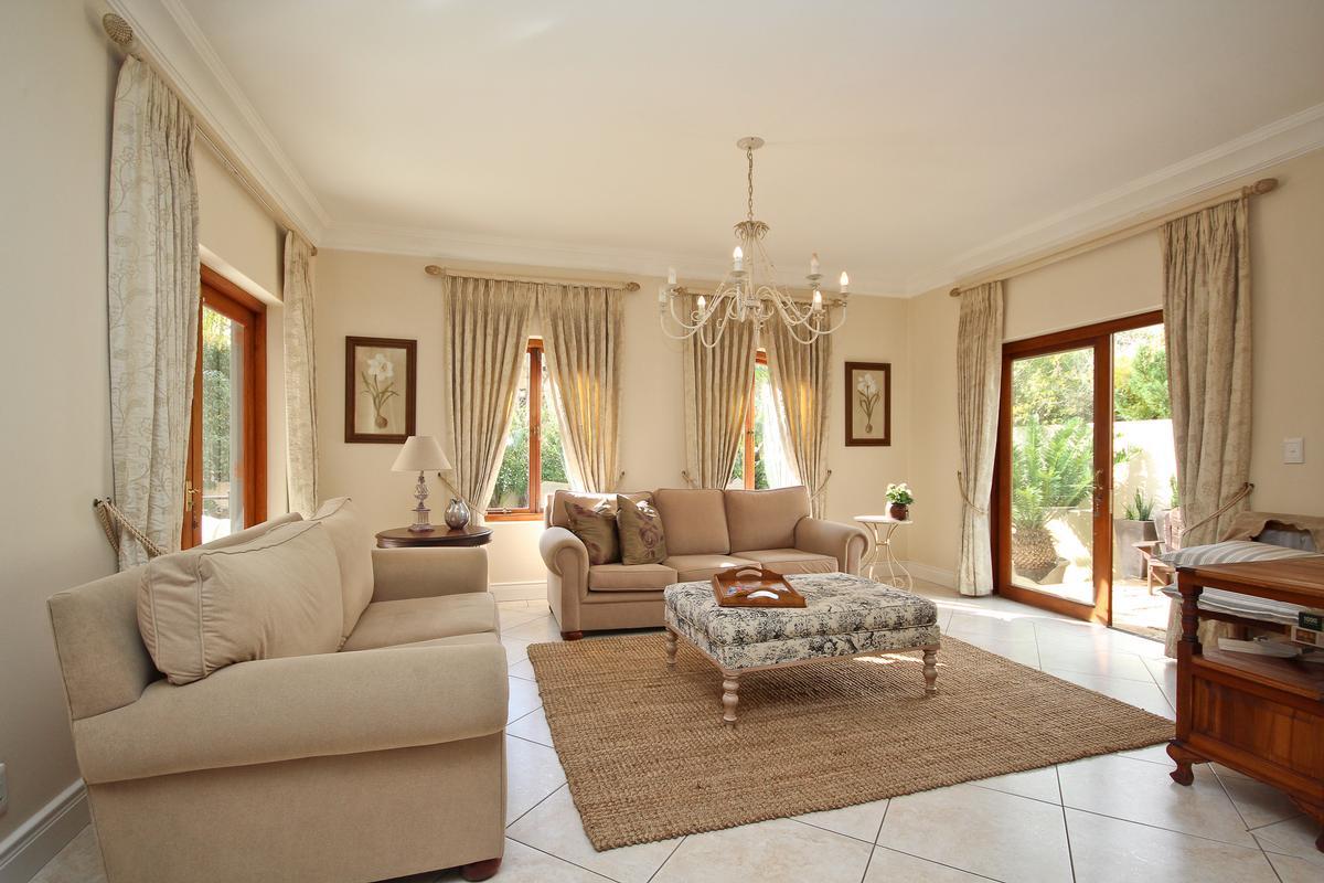 Luxury properties Silvertree Splendiour