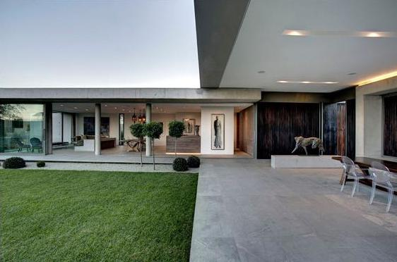 Luxury homes Ultramodern Miami style Villa