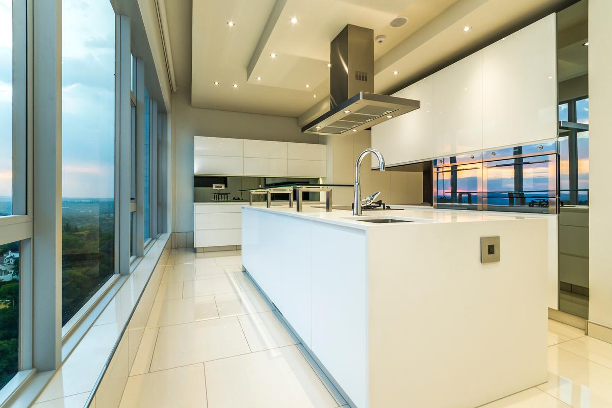 Luxury homes Embassy Towers Penthouse