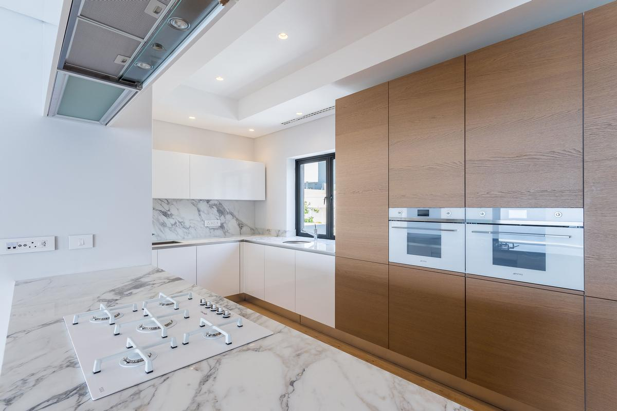 Luxury homes TOWNHOUSE FOR SALE IN BANTRY BAY