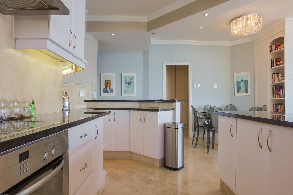 Luxury homes Simply Stunning Simplex