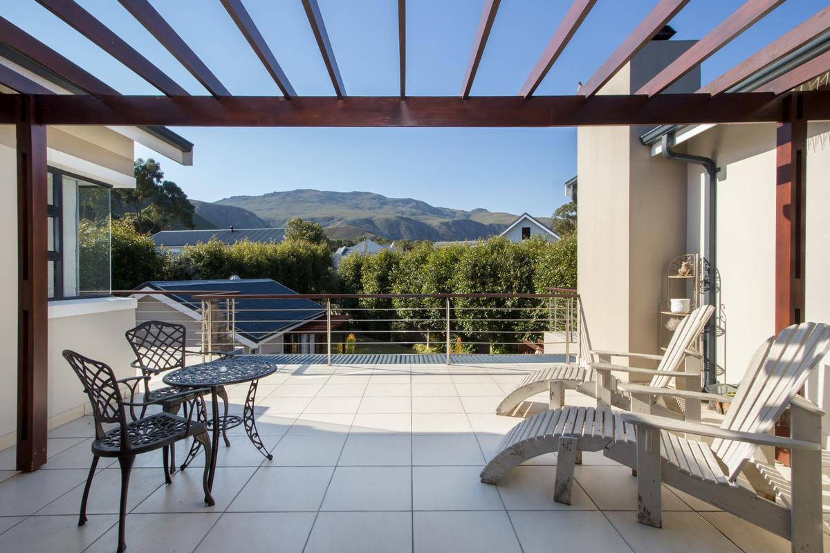 Luxury properties Invest in stunning Fernkloof Estate