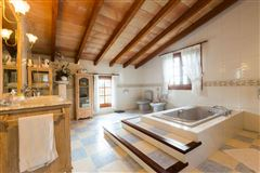 Luxury homes picturesque residence in calvia