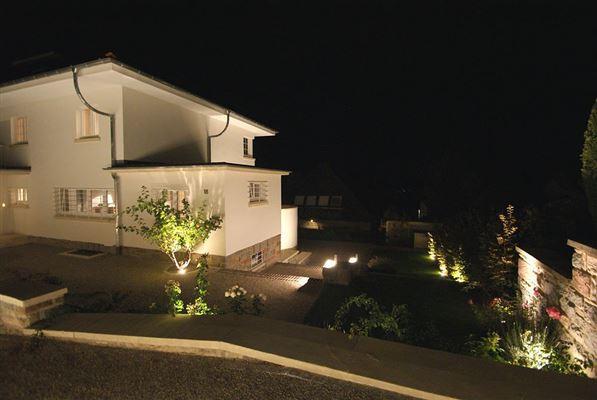 Luxury properties renovated villa on a park-like plot