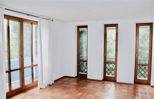 Luxury real estate stately villa in serene location