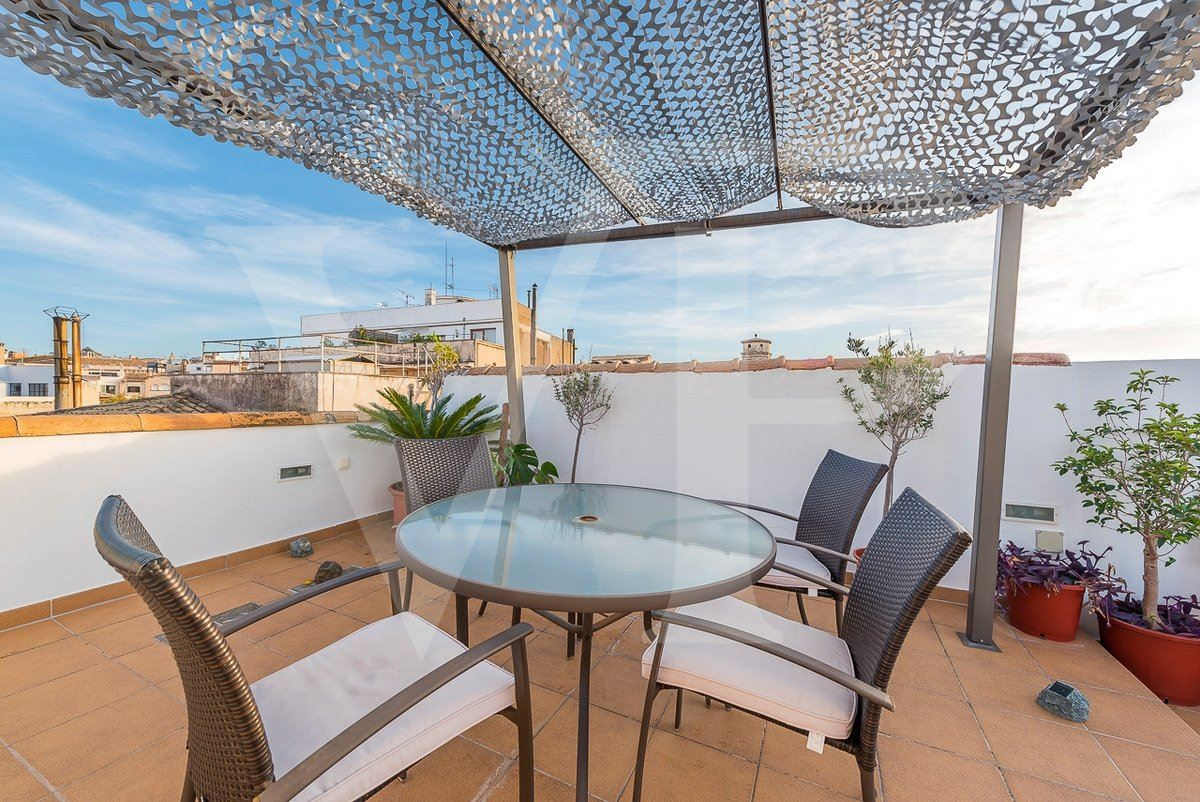 fantastic two-storey penthouse enjoys grand views mansions