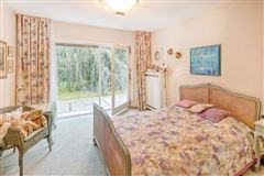 Luxury properties Exclusive bungalow in direct city forest location