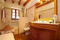 Mansions in Wonderful Majorcan finca in Pollensa