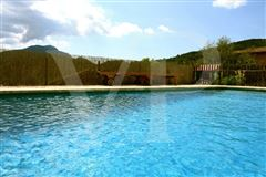 ideal peace and privacy luxury properties
