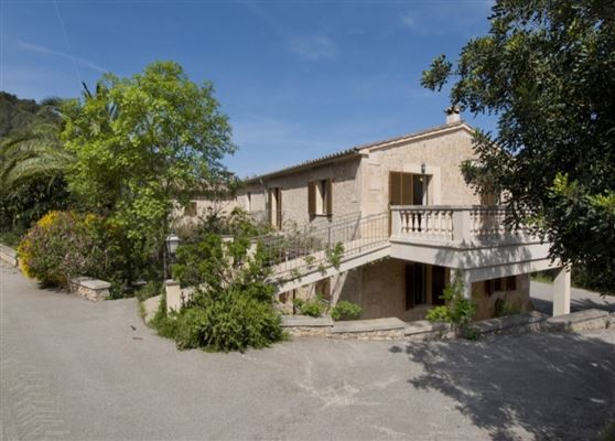 Luxury properties an impressive country estate