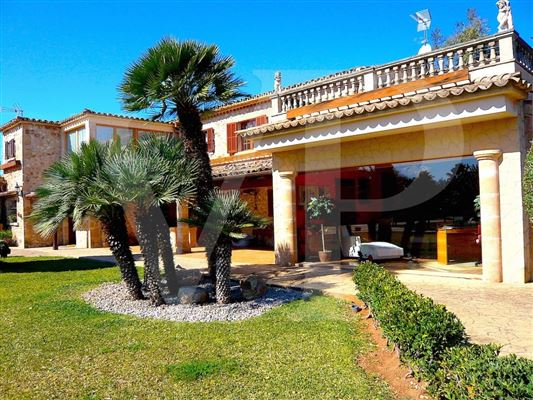 Luxury properties Wonderful Majorcan finca in Pollensa