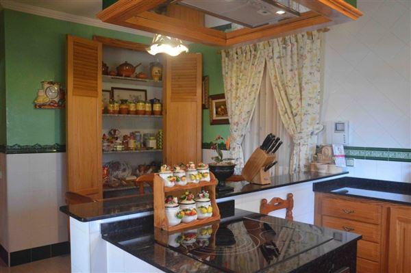 Spacious and charming villa near Palma luxury properties