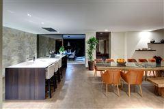 exceptional contemporary villa mansions