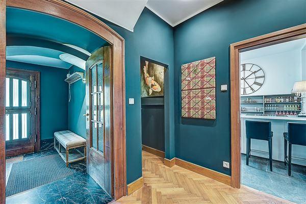 Luxury homes unique three-storey villa