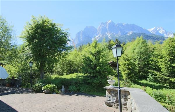 exceptional property at the foot of the Zugspitze luxury real estate