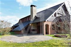 fantastic lake property mansions