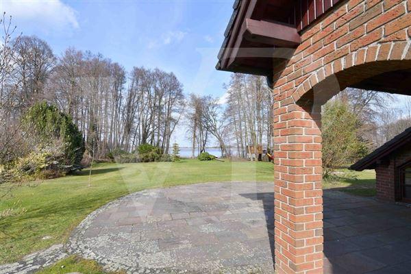 Luxury homes  fantastic lake property