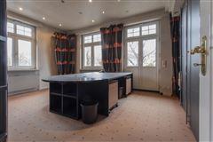 Altbau-Statdvilla im malerviertel Germany mansions
