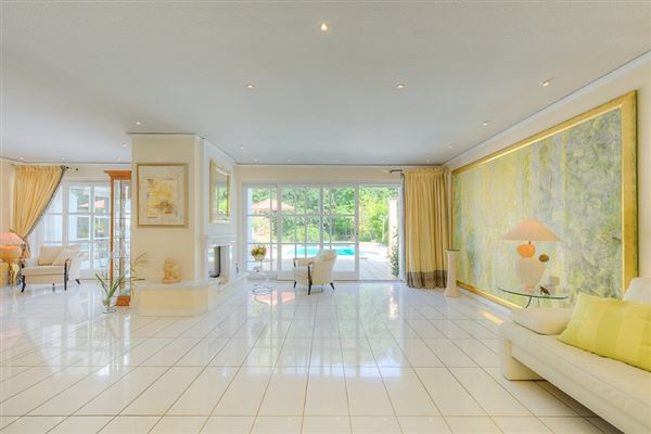 Luxury homes this exceptional villa is in mülheim saarn