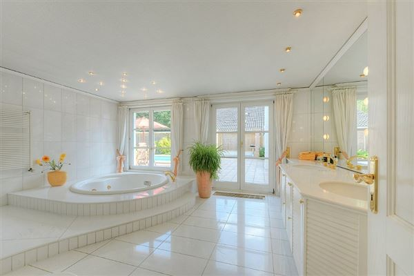 Luxury properties this exceptional villa is in mülheim saarn